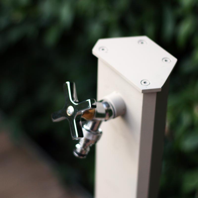 Fontana moderna in metallo Cork